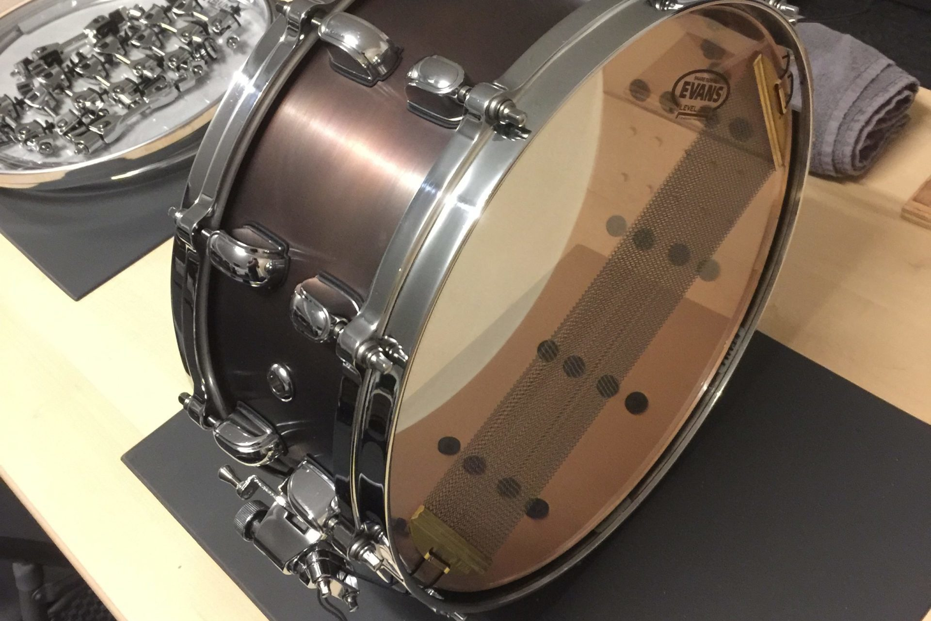 Bronze snare Brown Black during Fabrication